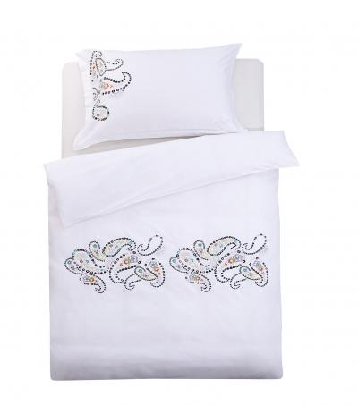 Obliečky Joyel vyšívané bielo-farebné