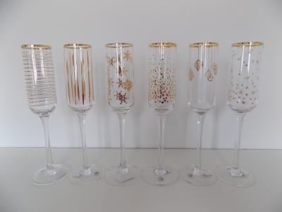 Set zdobených pohárov (sekt)