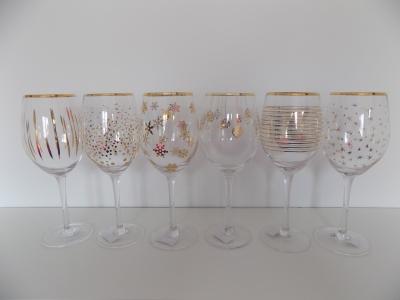 Set zdobených pohárov (vine)